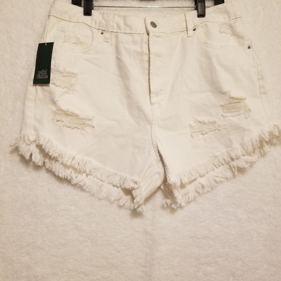 Wild Fable white deconstructed denim jeans NWT